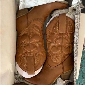 Very Volatile cowboy boots
